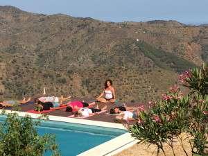 Yoga Dia en las montanas
